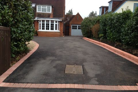 <b>Tarmac Drives</b> in Elvetham Heath